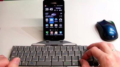 گوشی اندرویدی, اتصال صفحهکلید به موبایل