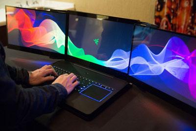 اتصال دو نمایشگر, دو نمایشگر در ویندوز 10