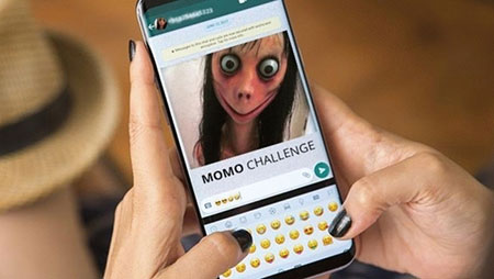 مراحل چالش مومو, چالش واتساپ momo