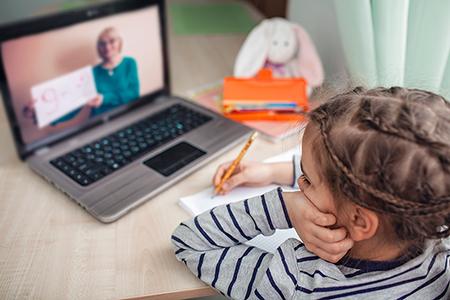 نحوه ی آزاد سازی فضای لپ تاپ برای مدارس, پشتیبانی و محافظت لپ تاپ برای سال تحصیلی, نصب و راه اندازی برنامه ها برای سال تحصیلی جدید