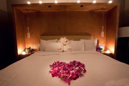 تزیین تخت عروس برای شب عروسی,تزئین اتاق عروس و داماد