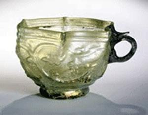 هنرهای دستی, قدیمی ترین آثار شیشه, لعاب شیشه