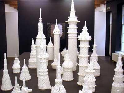 ساختمانهای ساخته شده با حبه قند! (عکس)