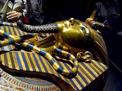 رسوم مردم مصر, اهرام مصر