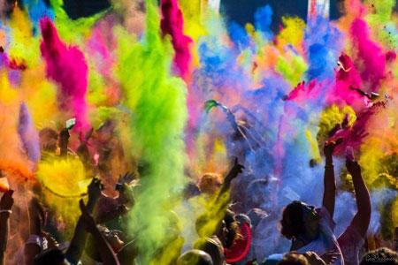 جشن جالب و مفرح رنگ پاشی هندی ها +عکس