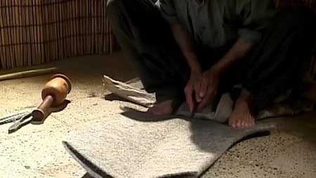صنایع دستی پشمی, لباس های سنتی