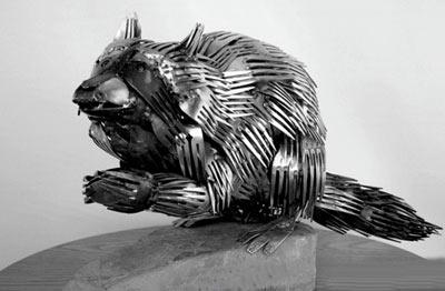 فتوگالری: ساخت مجسمههای جالب با قـاشـق و چنگـال