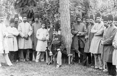 تاریخچه قلیان کشیدن,تاریخچه کشیدن قلیان,قلیان کشیدن ناصرالدین شاه