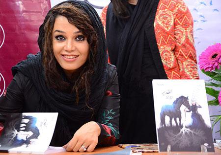 مونا خواننده ویکی بیوگرافی مونا برزویی/ مصاحبه و   تصاویر مونا بروزیی و   همسرش mimplus.ir