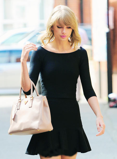 [تصویر:  hhe3211-taylor-swift.jpg]