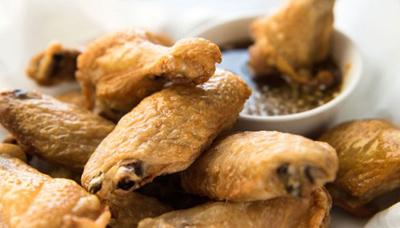 طرز تهیه بال مرغ با سس سیر و عسل, درست کردن بال مرغ با سس سیر و عسل