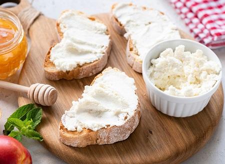پنیر کم چرب, پنیر کم کالری, پنیرهای رژیمی کم کالری