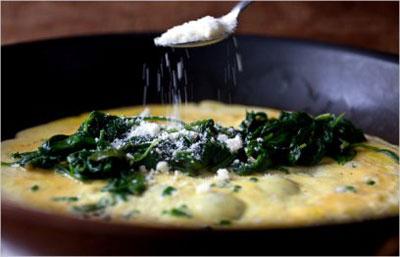 پخت املت مقوی برای صبحانه , طرز تهیه املت اسفناج