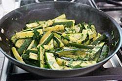 نحوه درست کردن کدو با آویشن,طرز تهیه خوراک کدو