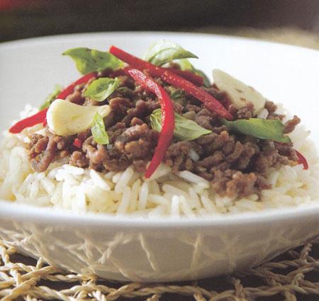برنج سرخ شده با نارگیل و بیف تایلندی, پخت برنج سرخ شده غذای تایلندی