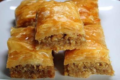 طرز تهیه باقلوای بادام, درست کردن شیرینی های نوروزی