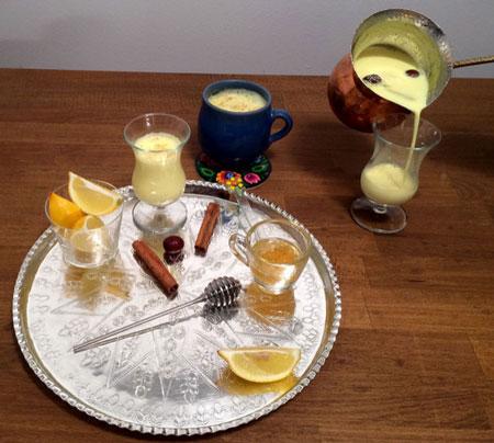 طرز تهیه دم نوش مفید هندی,درست کردن دمنوش شیر و زردچوبه برای سرماخوردگی