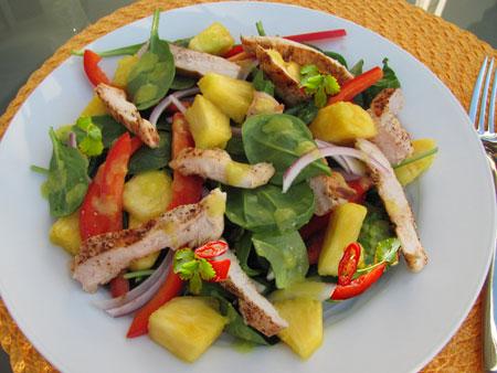 طرز تهیه مرغ فلفلی,درست کردن مرغ فلفلی با سالاد آناناس