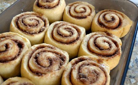 شیرینی رول دارچینی,طرز تهیه شیرینی رول دارچینی