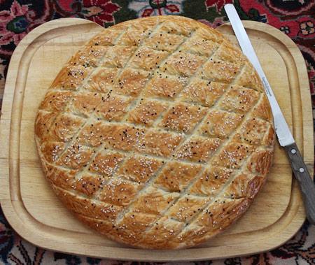 پخت نان رژیمی,طرز تهیه نان رژیمی با تزیین کنجد و سیاهدانه