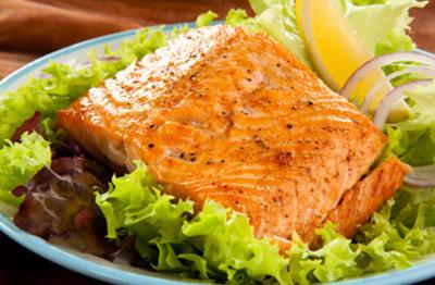 طرز تهیه ماهی قزل آلا کبابی با فسفر اضافه!