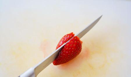طرز تهیه دسری برای روز سپندارمذگان,طرز تهیه دسری قلبی با توت فرنگی و شکلات