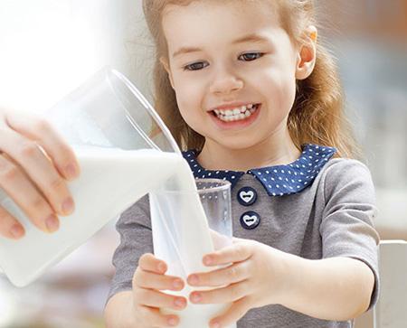 آشنایی با خواص انواع شیر,آشنایی با خاصیت شیرهای مختلف
