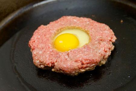 مراحل پخت همبرگر مغزدار,نحوه درست کردن همبرگر مغزدار