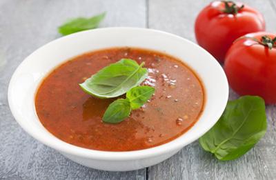 طرز تهیه سوپ گوجه فرنگی و ریحان مناسب فصل پاییز
