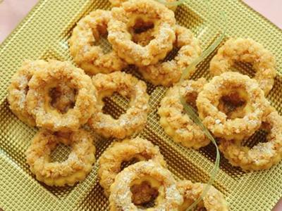 نحوه درست کردن شیرینی حلقه های نارگیلی,طرز تهیه شیرینی حلقه های نارگیلی