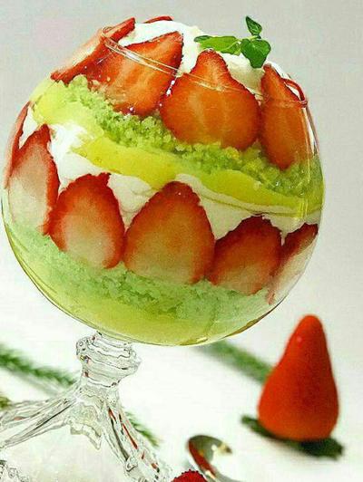 ترایفل توت فرنگی,طرز تهیه ترایفل توت فرنگی
