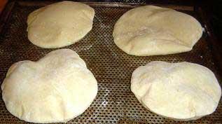 طرز تهیه نان پیتا