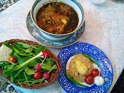 طرز تهیه آبگوشت غوره و گوجه فرنگی آموزش آشپزی