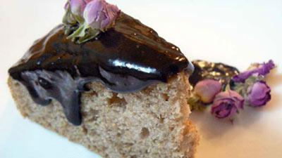طرز تهیه کیک گل سرخ, پخت کیک گل