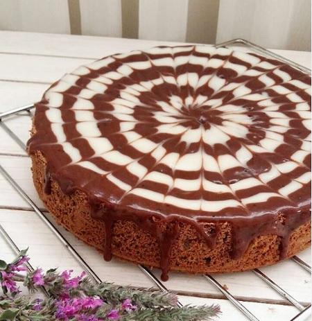 کیک مکزیکی با کرم پاتیسیر, طرز تهیه گاناش کیک مکزیکی, کیک مکزیکی شکلاتی