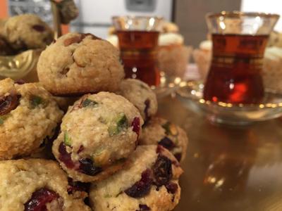 شیرینی پسته و كشمش مخصوص عید نوروز,طرز پخت شیرینی پسته و كشمش