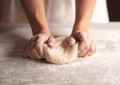 نحوه درست کردن خمیر پیتزا ایتالیایی, طرز تهیه انواع خمیر پیتزا