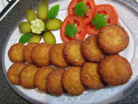 http://www.beytoote.com/images/stories/food/preparation-falafel-eb30.jpg