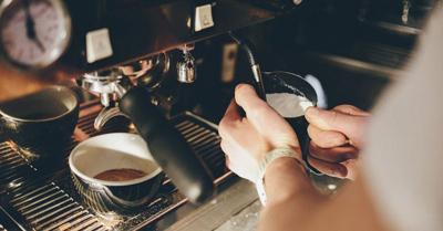 بخار دادن شیر برای قهوه, نحوه بخار دادن شیر