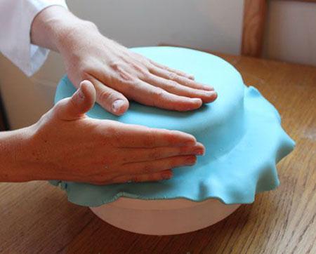روش تزیین کیک با خمیر کیک,راهنمای تزیین کیک با خمیر فوندانت
