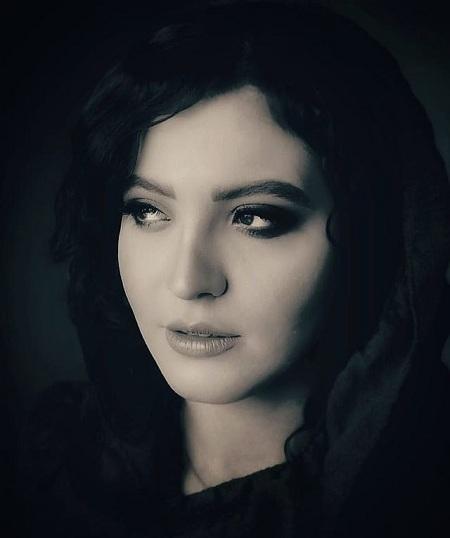 زندگی نامه دینا هاشمی, تصویر اینستاگرامی دینا هاشمی, دینا هاشمی و همسرش