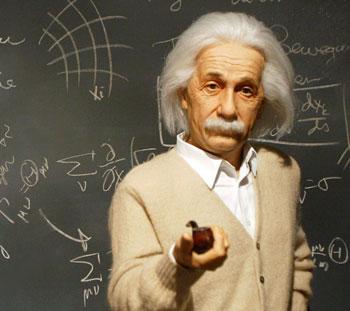 جملات زیبا و آموزنده آلبرت انیشتین