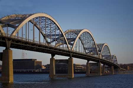 سی و سه پل و سی و نه پل زیبای جهان