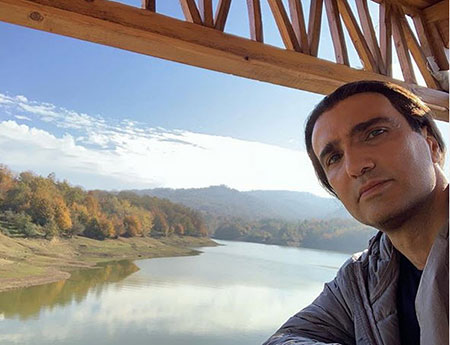 محمدرضا فروتن (زاده ۱۳۴۷، تهران) بازیگر سینماست که در آثار کارگردانان معروف و بزرگی چون مسعود کیمیایی، رخشان بنی اعتماد، کیومرث پور احمد و... بازی کرده است. فروتن چندین بار از جشنوارههای مختلف ایرانی موفق به دریافت جایزهٔ بهترین بازیگر مرد شده است.