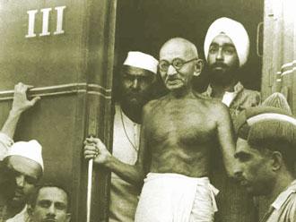 داستان گاندی و لنگه کفش