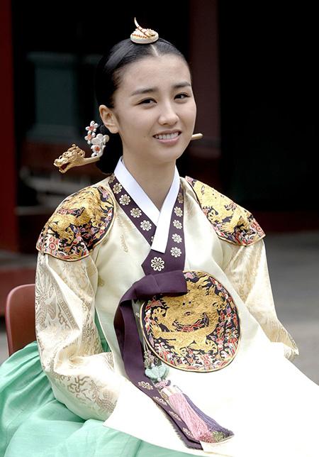 ملکه اینهیون,عکس ملکه اینهیون,عکس ملکه در سریال دونگ یی