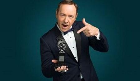 رسوایی اخلاقی کوین اسپیسی, زندگی نامه کوین اسپیسی, جوایز کوین اسپیسی