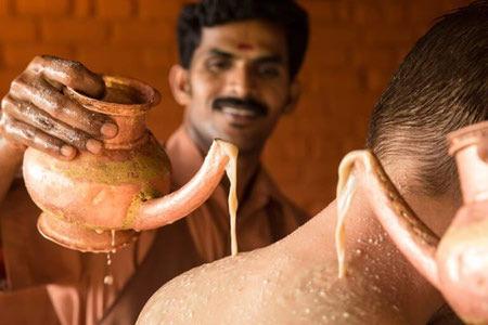 ماساژ درمانی در طب آیورودا, طب سنتی هندی, طب آیورودا