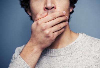 راه های رفع بوی بد دهان, علت بوی بد دهان چیست
