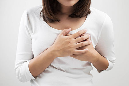 درد سینه در زنان,درد پستان,علت درد سینه
